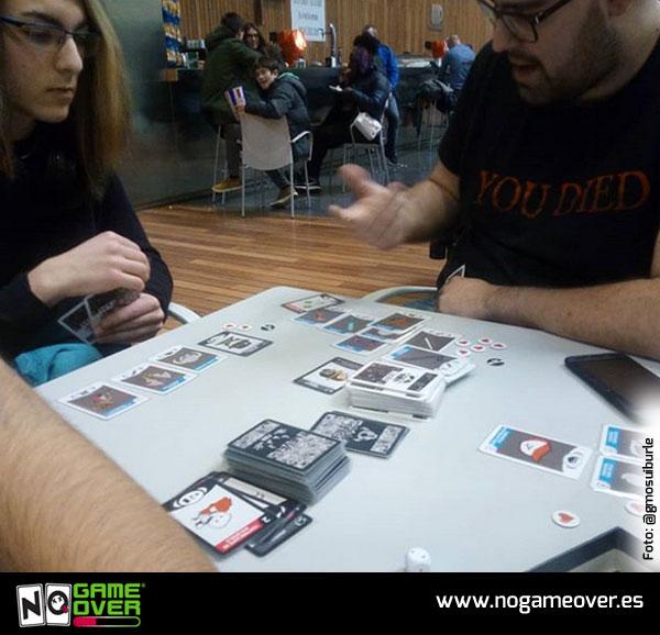 juego-de-mesa-friki-videojuegos-no-game-over-gmosuiburle-abril-18
