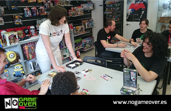 juegos-de-cartas-frikis-no-game-over-evento-gen-x-05-2016-foto-1
