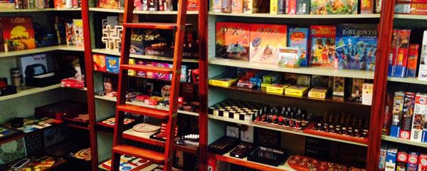 tienda-de-juegos-de-mesa-de-importacion-cuarto-de-juegos-madrid-estanteria