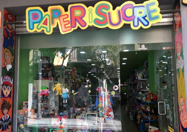tienda-friki-merchandising-videojuegos-anime-mataro-paper-i-sucre-escaparate