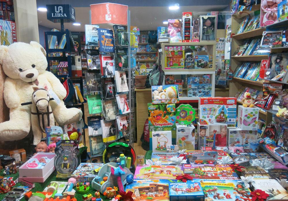 tienda-regalos-juguetes-juegos-de-mesa-leganes-papeleria-avenida-foto